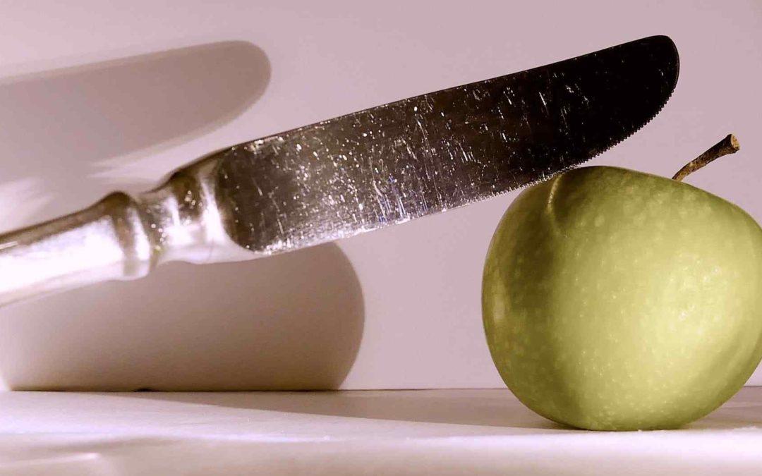 Pillole di galateo: il coltello